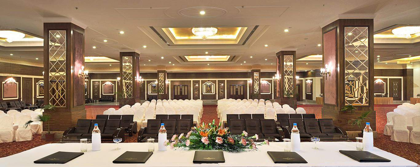 Business meeting place near Delhi